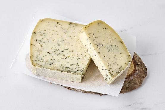 Saveur des Godis, ail et orties (fromage à raclette) Le Plateau du Gerny
