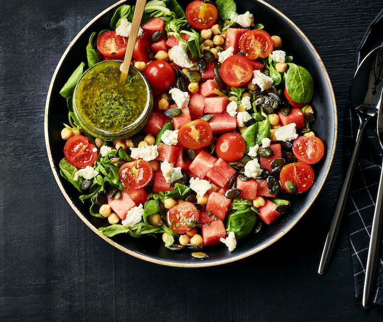 Salade de pastèque, chèvre & salsa verde