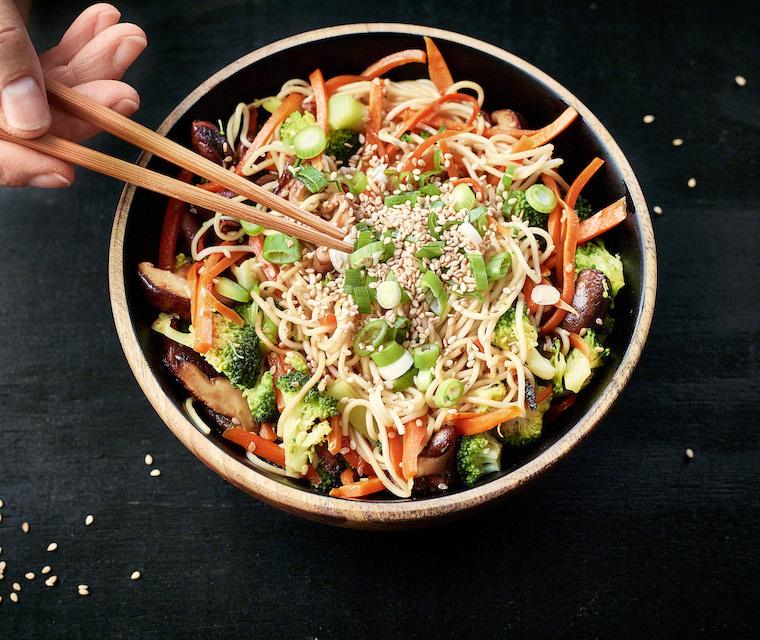 Wok de nouilles sautées aux légumes