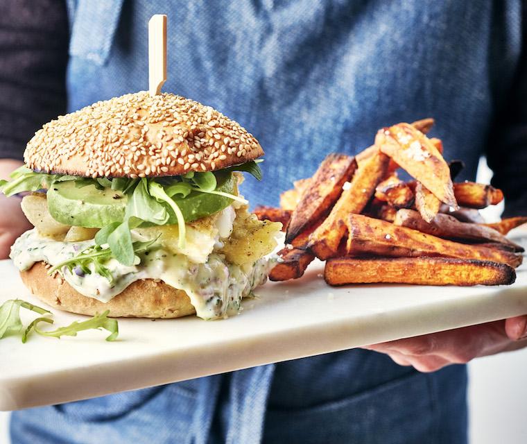 Bio Burger de poisson à l'avocat & aneth